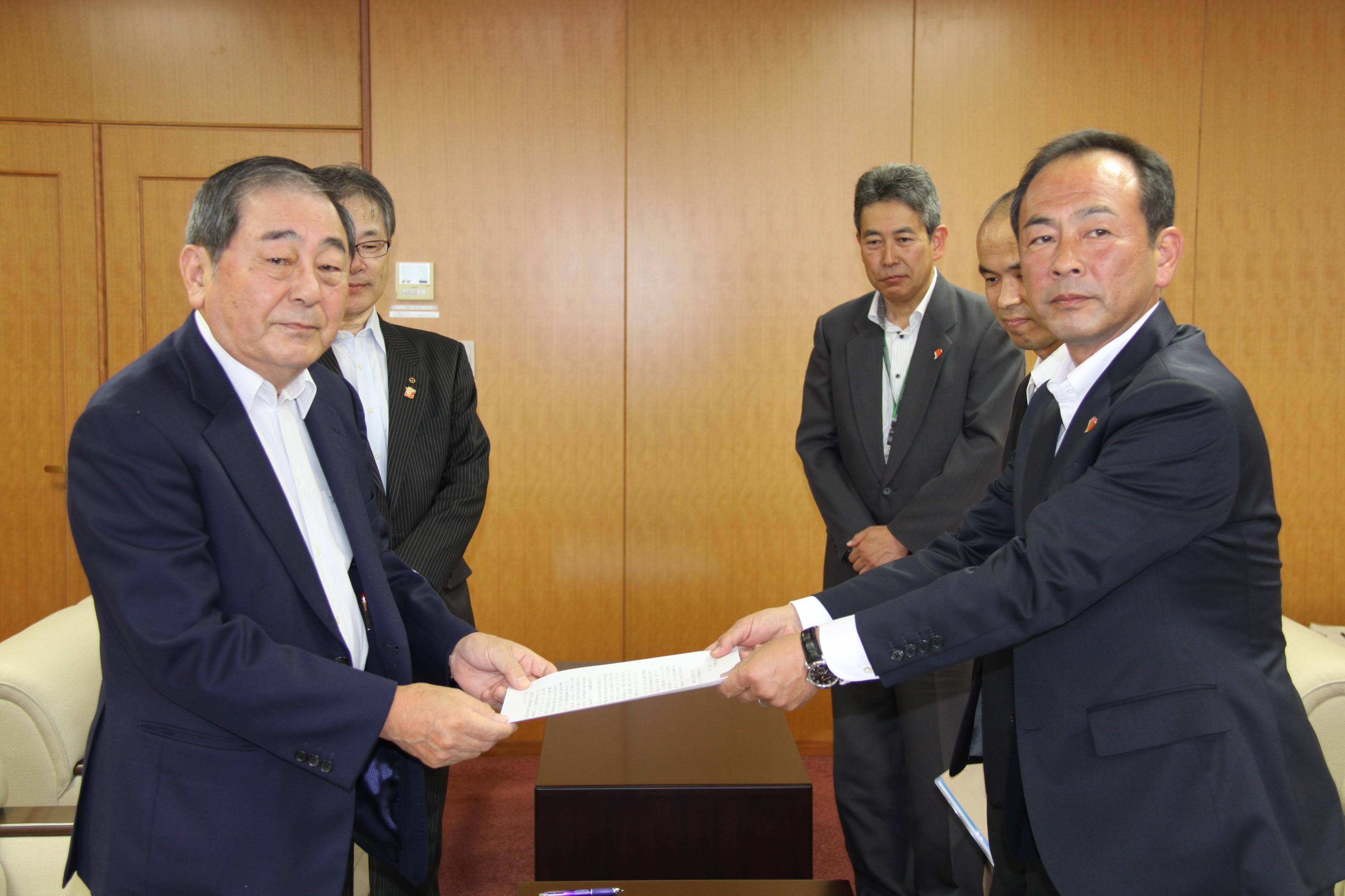鳥取労働局が過重労働解消で協力...